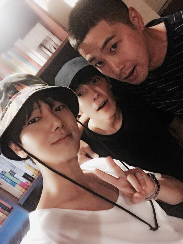16.Yesung twitter with Yunho (shfly3424)